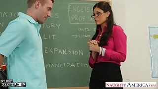 Gungy pussy of horny MILFie teacher India Summer needs some licking